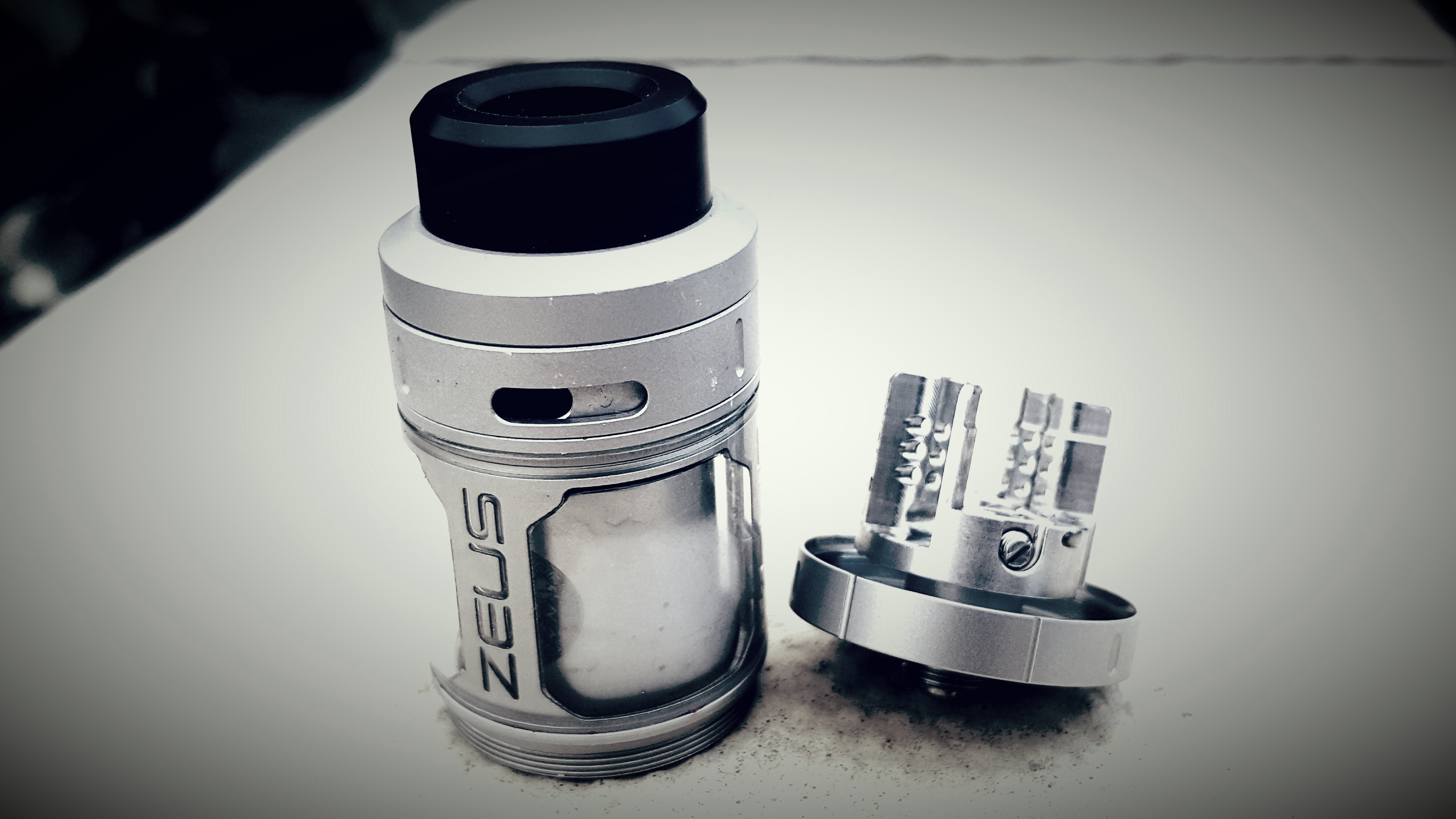 Geekvape Zeus RTA Review