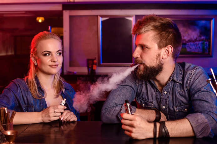 Vaping Etiquette: The Do's and Don'ts of Vaping